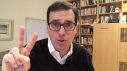 Pinkcast 1.16 thumbnail image of Dan Pink holding up two fingers.